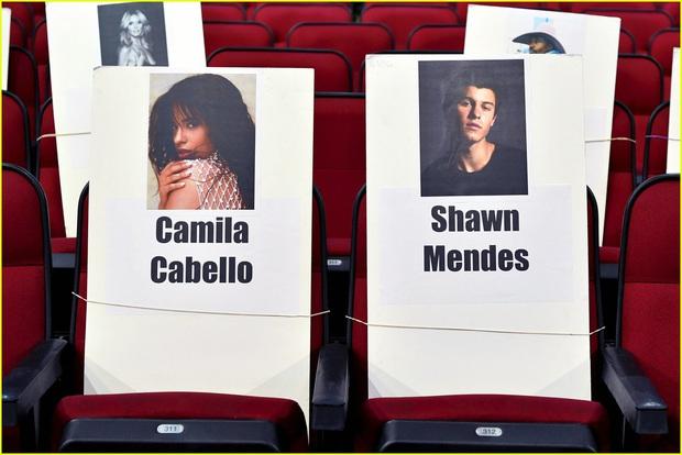 Hé lộ sơ đồ chỗ ngồi tại American Music Awards: Nguyên team Taylor đi vào hết - Halsey hơi cô đơn vì thiếu BTS! - Ảnh 3.