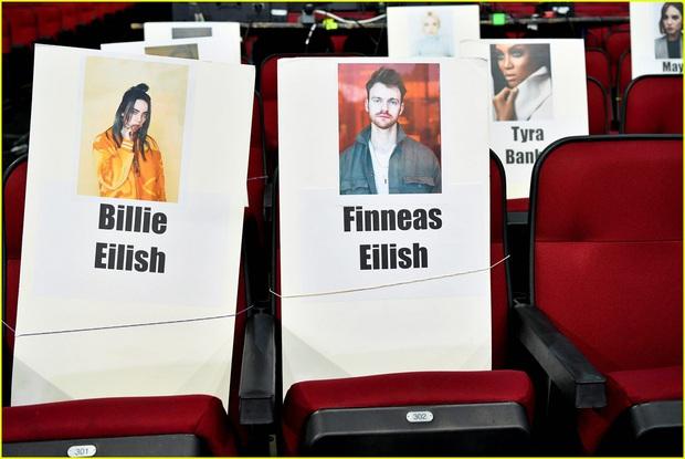 Hé lộ sơ đồ chỗ ngồi tại American Music Awards: Nguyên team Taylor đi vào hết - Halsey hơi cô đơn vì thiếu BTS! - Ảnh 5.