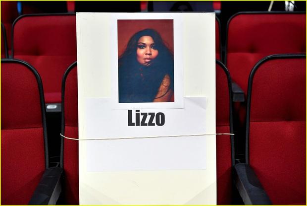 Hé lộ sơ đồ chỗ ngồi tại American Music Awards: Nguyên team Taylor đi vào hết - Halsey hơi cô đơn vì thiếu BTS! - Ảnh 7.