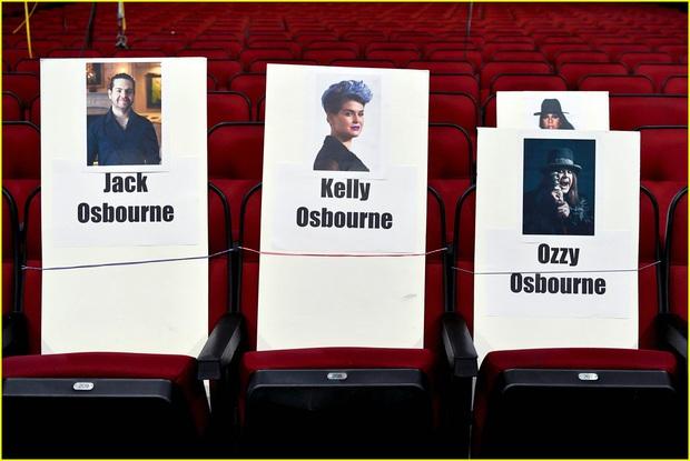 Hé lộ sơ đồ chỗ ngồi tại American Music Awards: Nguyên team Taylor đi vào hết - Halsey hơi cô đơn vì thiếu BTS! - Ảnh 8.