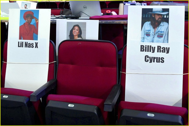 Hé lộ sơ đồ chỗ ngồi tại American Music Awards: Nguyên team Taylor đi vào hết - Halsey hơi cô đơn vì thiếu BTS! - Ảnh 9.