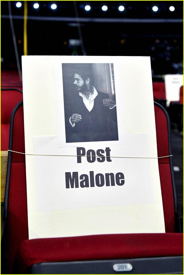 Hé lộ sơ đồ chỗ ngồi tại American Music Awards: Nguyên team Taylor đi vào hết - Halsey hơi cô đơn vì thiếu BTS! - Ảnh 13.