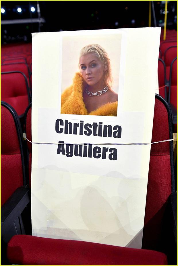 Hé lộ sơ đồ chỗ ngồi tại American Music Awards: Nguyên team Taylor đi vào hết - Halsey hơi cô đơn vì thiếu BTS! - Ảnh 14.