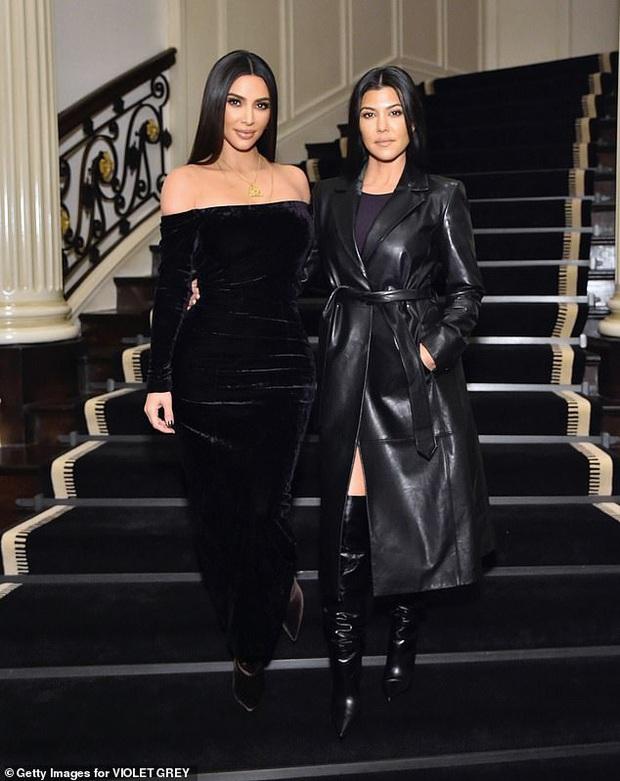 Màn đọ sắc cực hiếm giữa Victoria Beckham và chị em Kim siêu vòng 3: Khi thanh lịch gặp sexy, U40-45 mà vẫn quá đỉnh - Ảnh 4.