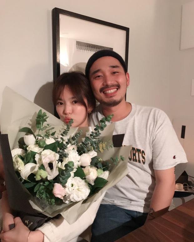 Song Hye Kyo đón sinh nhật độc thân đầu tiên hậu ly hôn ngàn tỷ, chu môi nhí nhảnh bên người bạn thân thiết - Ảnh 2.