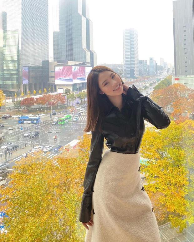 Theo chân rich-kid Jolie Nguyễn ăn uống sương sương ở Seoul, lạ lẫm nhất là món bò Wagyu ăn kèm trứng cá dát vàng - Ảnh 10.
