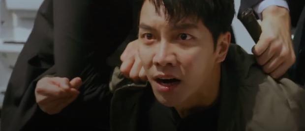 Vagabond tập 15 cực twist: Lộ diện thân phận trùm cuối, Lee Seung Gi bị thiêu sống trong nhà kho - Ảnh 9.