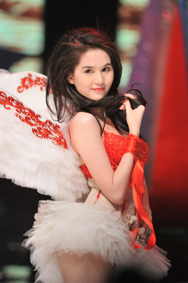 Toang rồi Ngọc Trinh ơi: Còn chưa thực hiện ước mơ trình diễn thì Victorias Secret Fashion Show đã bị hủy - Ảnh 2.