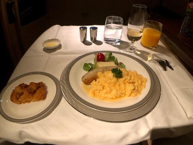 Chuyên trang du lịch công bố 10 hãng hàng không có đồ ăn cao cấp và ngon nhất thế giới, top 2 đều nằm ở châu Á - Ảnh 21.