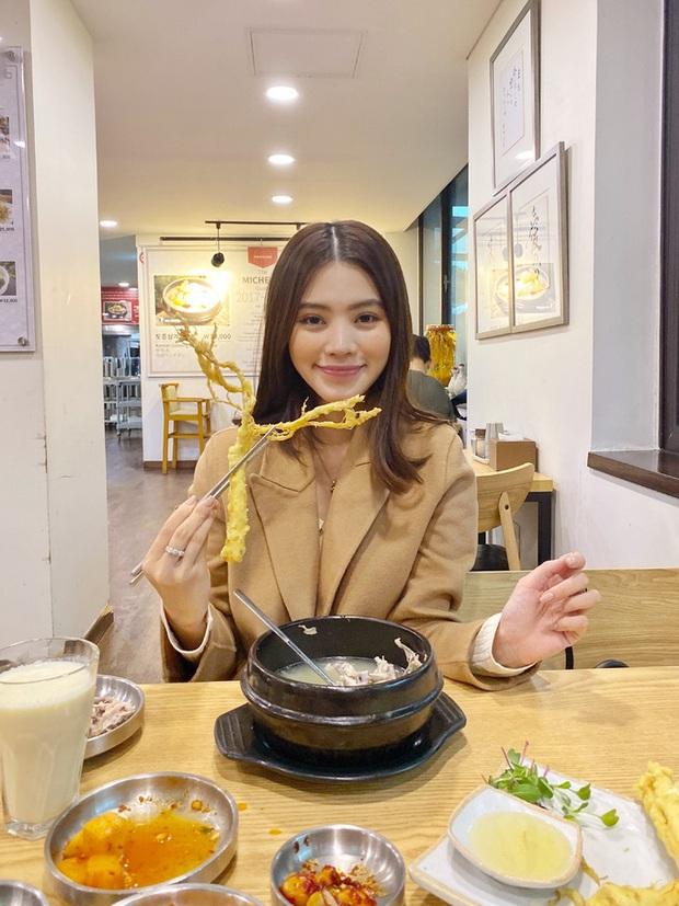 Theo chân rich-kid Jolie Nguyễn ăn uống sương sương ở Seoul, lạ lẫm nhất là món bò Wagyu ăn kèm trứng cá dát vàng - Ảnh 4.