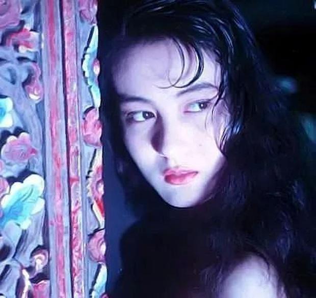 Bất ngờ với mỹ nhân AV Nhật Bản có nhan sắc thời trẻ giống hệt Địch Lệ Nhiệt Ba với 1001 khoảnh khắc bắt lú - Ảnh 7.