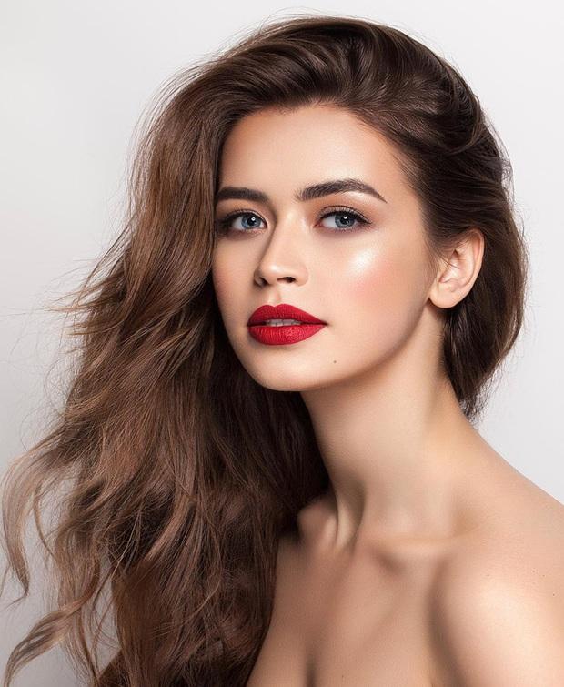 Chân dung nữ nghị sĩ trẻ nhất Belarus khiến cộng đồng mạng điêu đứng: Sở hữu vẻ đẹp tựa thiên thần, từng lọt top 5 Hoa hậu Thế giới - Ảnh 1.