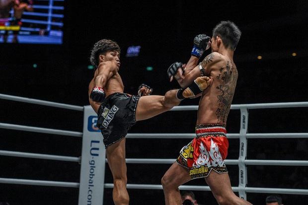 Độc cô cầu bại Nguyễn Trần Duy Nhất tung đòn chân kinh hoàng, hạ luôn nhà vô địch Nhật Bản tại giải võ lớn nhất châu Á - Ảnh 2.