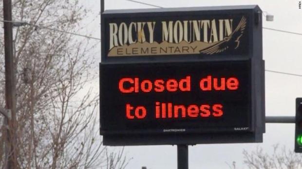 Hơn 40 trường học tại Mỹ đóng cửa dài ngày vì virus lạ lây lan cực nhanh  - Ảnh 1.