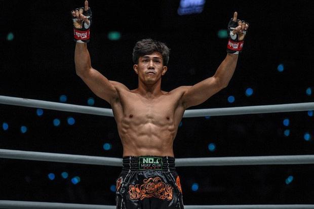 Độc cô cầu bại Nguyễn Trần Duy Nhất tung đòn chân kinh hoàng, hạ luôn nhà vô địch Nhật Bản tại giải võ lớn nhất châu Á - Ảnh 4.
