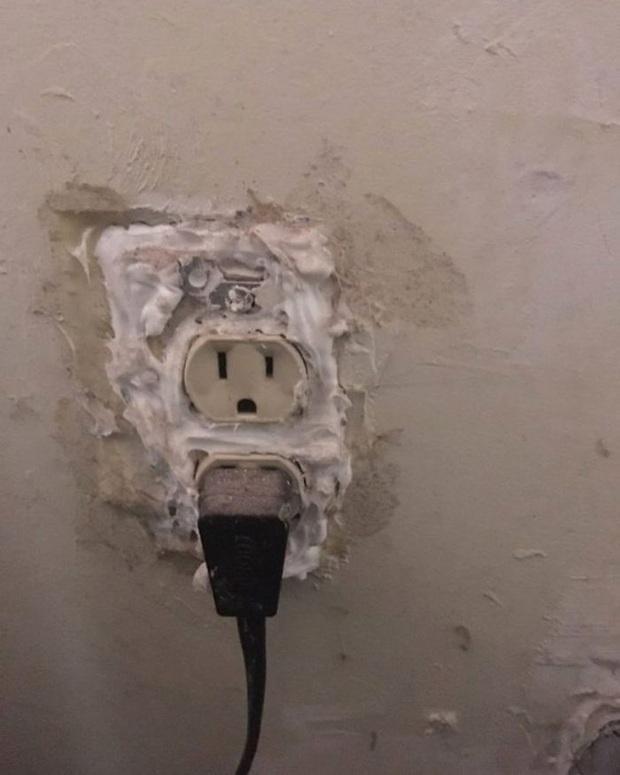 [Chùm ảnh] Internet chết cười với anh thợ điện nước làm ăn chẳng ra sao nhưng bao biện thì lại rất giỏi - Ảnh 26.