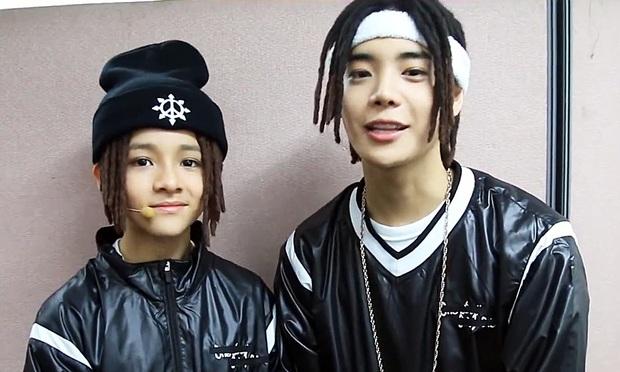 """Tài năng như hội idol con lai Kpop: Thành viên TXT là """"thiên tài nhạc cụ"""" biết 4 thứ tiếng, """"hoàng tử lai"""" của Produce debut ở tuổi 13 - Ảnh 11."""
