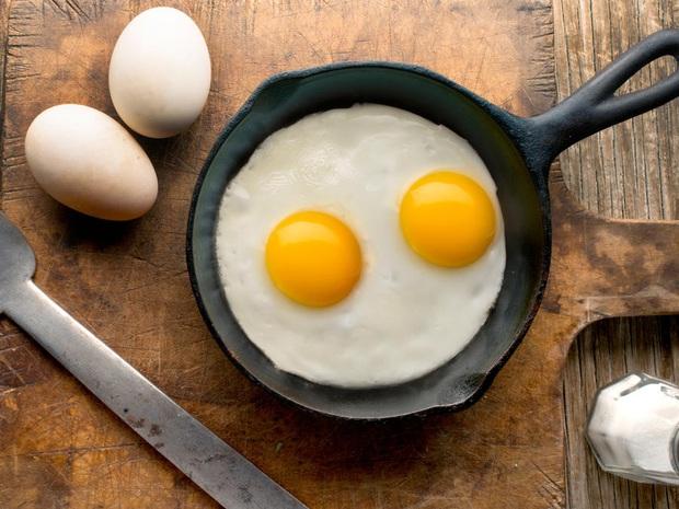 Trứng luộc, trứng chiên, trứng hấp và trứng sống: 2 trong số những cách ăn trứng quen thuộc này gây ảnh hưởng tiêu cực đến sức khỏe - Ảnh 4.