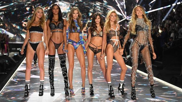Victorias Secret Fashion 2019 bị huỷ bỏ: Ngày càng ế người xem, liên tục dính phốt lớn - Ảnh 5.
