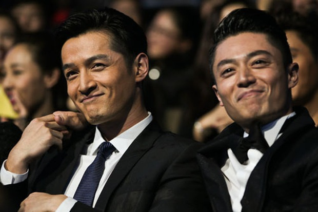 Dàn diễn viên Tiên Kiếm Kỳ Hiệp 3 xúm tụm cà khịa thánh ế Hồ Ca ở lễ trao giải Kim Kê Bách Hoa 2019 - Ảnh 4.