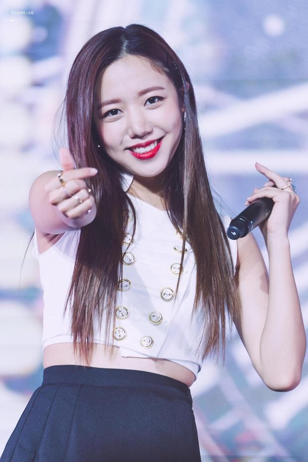 Knet đau đầu chọn ra 10 nữ idol có đôi mắt đẹp nhất Kpop: Ngoài mỹ nhân BLACKPINK - TWICE, còn quá nhiều nhân tố đỉnh - Ảnh 20.