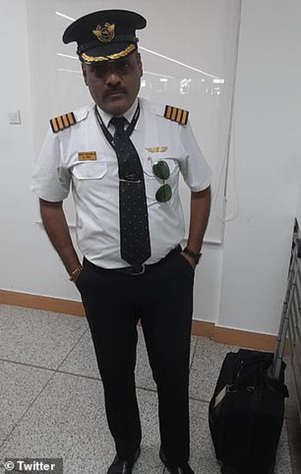 Để đươc ngồi ghế hịn mà còn tránh phải chờ xếp hàng lâu, người đàn ông nảy sinh diệu kế cosplay cơ trưởng hãng hàng không quốc tế - Ảnh 1.