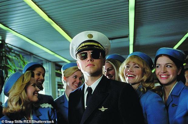 Để đươc ngồi ghế hịn mà còn tránh phải chờ xếp hàng lâu, người đàn ông nảy sinh diệu kế cosplay cơ trưởng hãng hàng không quốc tế - Ảnh 3.