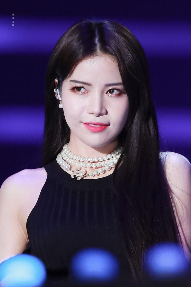 Knet đau đầu chọn ra 10 nữ idol có đôi mắt đẹp nhất Kpop: Ngoài mỹ nhân BLACKPINK - TWICE, còn quá nhiều nhân tố đỉnh - Ảnh 14.