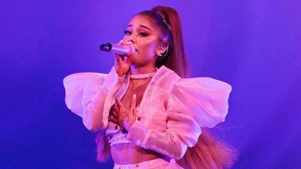 Đáng yêu như Billie Eilish: dù được đề cử cùng hạng mục với Ariana Grande, nhưng nhất quyết nhường giải lớn cho người chị! - Ảnh 3.