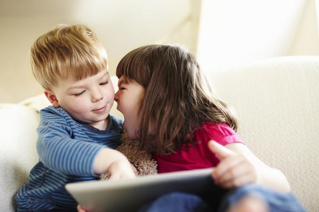 11 dấu hiệu cho thấy con bạn có nguy cơ là một đứa trẻ hư hỏng, cha mẹ nào cũng nên lưu tâm! - Ảnh 3.