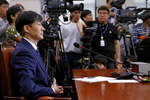 SBS đưa ra phân tích đáng suy ngẫm: Phải chăng Seungri và chủ tịch Yang bị truyền thông Hàn phân biệt đối xử? - Ảnh 2.