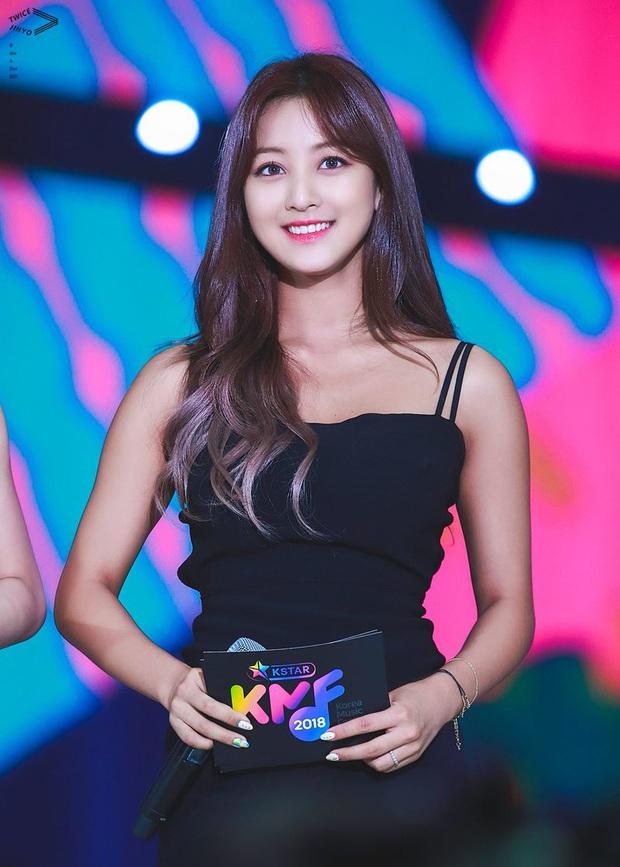 Knet đau đầu chọn ra 10 nữ idol có đôi mắt đẹp nhất Kpop: Ngoài mỹ nhân BLACKPINK - TWICE, còn quá nhiều nhân tố đỉnh - Ảnh 16.
