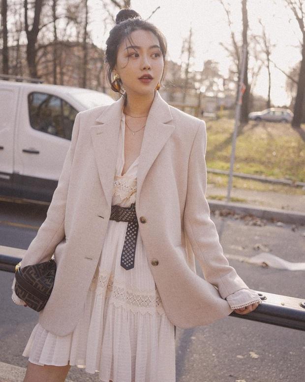 4 cách diện váy mùa lạnh xinh không để đâu cho hết, bạn áp dụng thì sẽ tỏa sáng mọi lúc mọi nơi - Ảnh 1.