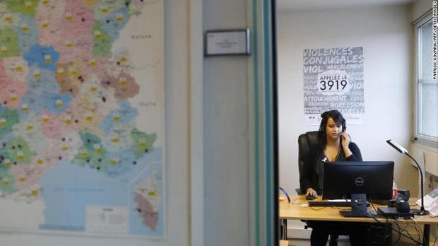Những cái chết oan gióng lên hồi chuông cảnh báo về nạn kỳ thịgiới tính tại Pháp - Ảnh 2.