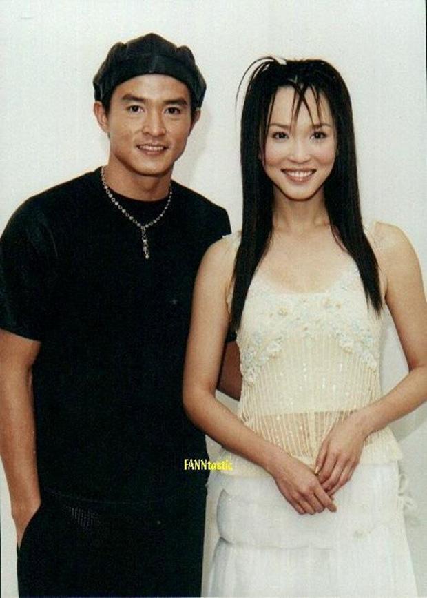 """Cặp đôi """"Dương Quá - Cô Cô hạnh phúc nhất màn ảnh"""": 20 năm yêu nhau từ trong phim ra ngoài đời - Ảnh 4."""