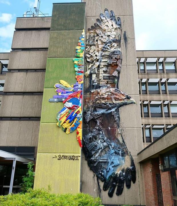 Những tác phẩm nghệ thuật tuyệt mỹ được tạo ra từ rác thải khiến ai xem xong cũng phải trầm trồ và suy ngẫm - Ảnh 15.