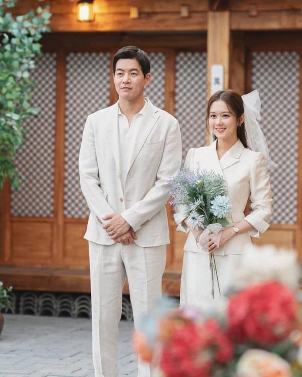 Jang Nara trong phim bóc phốt chồng ngoại tình: Đẹp từ kiểu tóc, cách trang điểm cho đến style công sở chuẩn chỉnh - Ảnh 19.