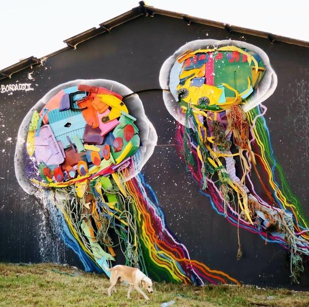 Những tác phẩm nghệ thuật tuyệt mỹ được tạo ra từ rác thải khiến ai xem xong cũng phải trầm trồ và suy ngẫm - Ảnh 20.