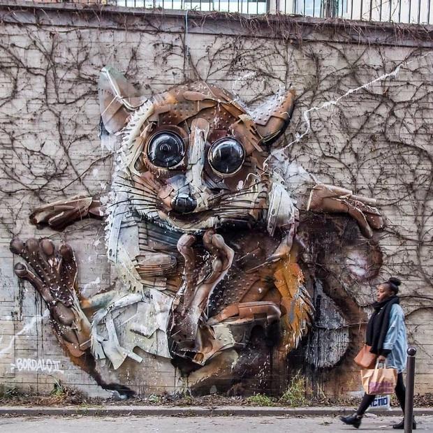 Những tác phẩm nghệ thuật tuyệt mỹ được tạo ra từ rác thải khiến ai xem xong cũng phải trầm trồ và suy ngẫm - Ảnh 21.