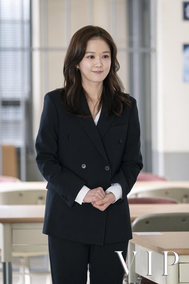 Jang Nara trong phim bóc phốt chồng ngoại tình: Đẹp từ kiểu tóc, cách trang điểm cho đến style công sở chuẩn chỉnh - Ảnh 6.