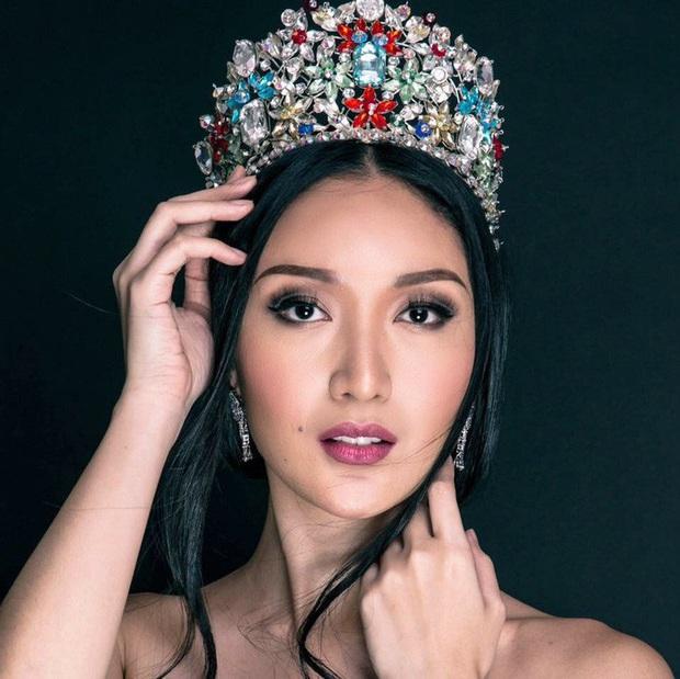 Điểm danh 11 hoa hậu tài sắc vẹn toàn sẽ tham gia lễ khai mạc SEA Games 30: Ngỡ ngàng trước cô gái đại diện cho đoàn Việt Nam - Ảnh 7.