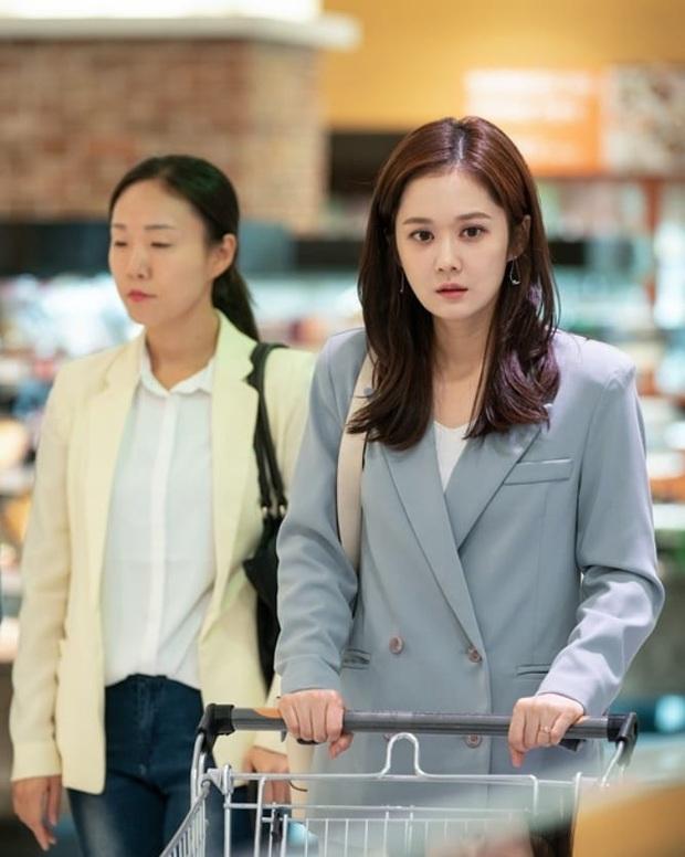 Jang Nara trong phim bóc phốt chồng ngoại tình: Đẹp từ kiểu tóc, cách trang điểm cho đến style công sở chuẩn chỉnh - Ảnh 9.