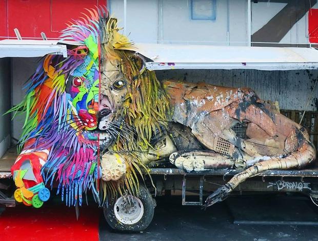 Những tác phẩm nghệ thuật tuyệt mỹ được tạo ra từ rác thải khiến ai xem xong cũng phải trầm trồ và suy ngẫm - Ảnh 12.