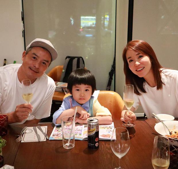 """Cặp đôi """"Dương Quá - Cô Cô hạnh phúc nhất màn ảnh"""": 20 năm yêu nhau từ trong phim ra ngoài đời - Ảnh 10."""