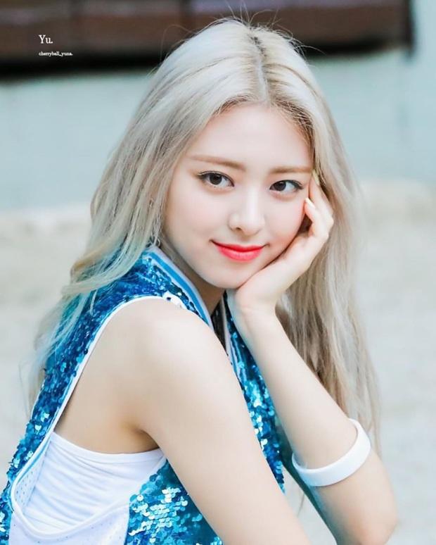 Knet đau đầu chọn ra 10 nữ idol có đôi mắt đẹp nhất Kpop: Ngoài mỹ nhân BLACKPINK - TWICE, còn quá nhiều nhân tố đỉnh - Ảnh 5.