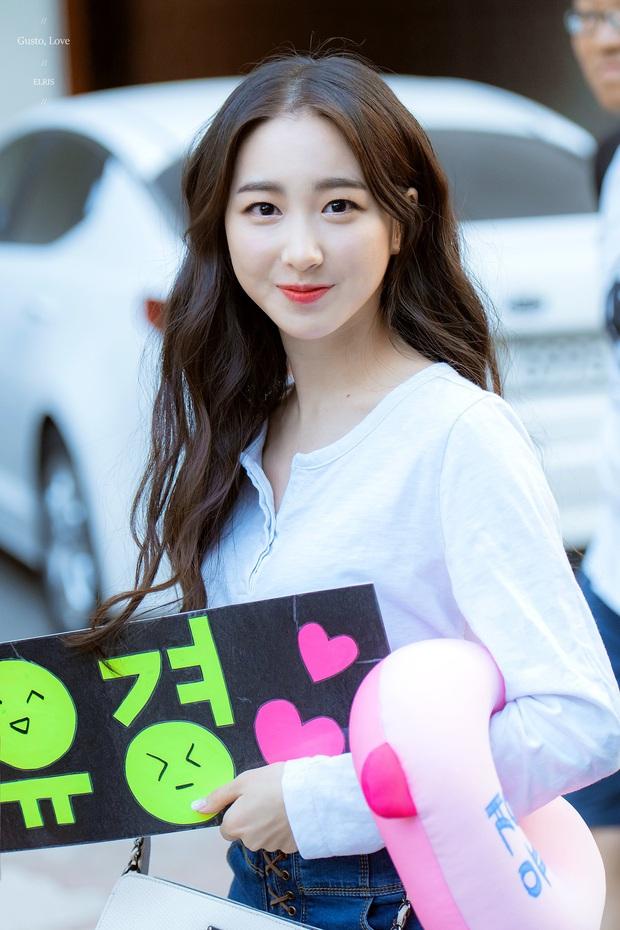 Knet đau đầu chọn ra 10 nữ idol có đôi mắt đẹp nhất Kpop: Ngoài mỹ nhân BLACKPINK - TWICE, còn quá nhiều nhân tố đỉnh - Ảnh 17.