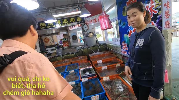 Sau hàng loạt sự cố ở Nhật, Khoa Pug đã bắt đầu dè chừng và có phần... lo sợ khi quay vlog, điển hình nhất là clip ở Đài Loan gần đây - Ảnh 3.