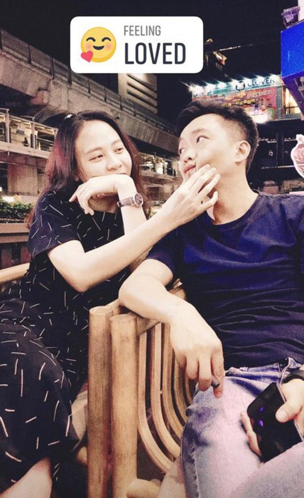 Cường Đô La đăng ảnh cùng vợ đi Thái, đáng chú ý là status bắt trend phụ huynh chơi Facebook đang hot MXH - Ảnh 2.