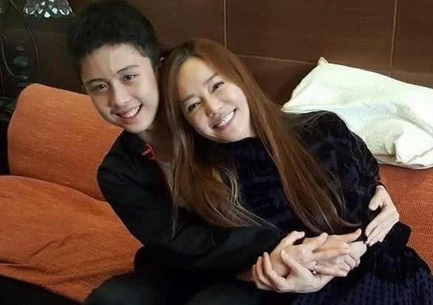 Gia đình bê bối nhất xứ Đài: Mẹ hả hê bắt nạt Lam Khiết Anh, bố quấy rối tình dục, con ở tù Mỹ 8 năm vì tàng trữ vũ khí - Ảnh 20.