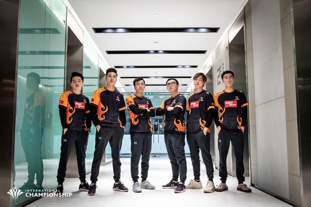 Tự hào: Liên Quân Việt Nam đánh bại Thái Lan, Team Flash lên ngôi vô địch AIC 2019, rinh giải thưởng 4,6 tỷ đồng - Ảnh 1.